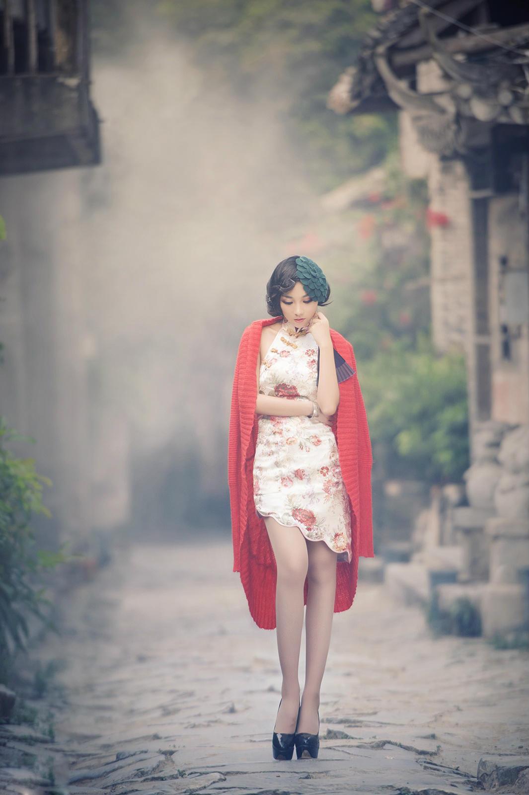 妩媚古典旗袍美女 小猪也浪漫的空间 竖