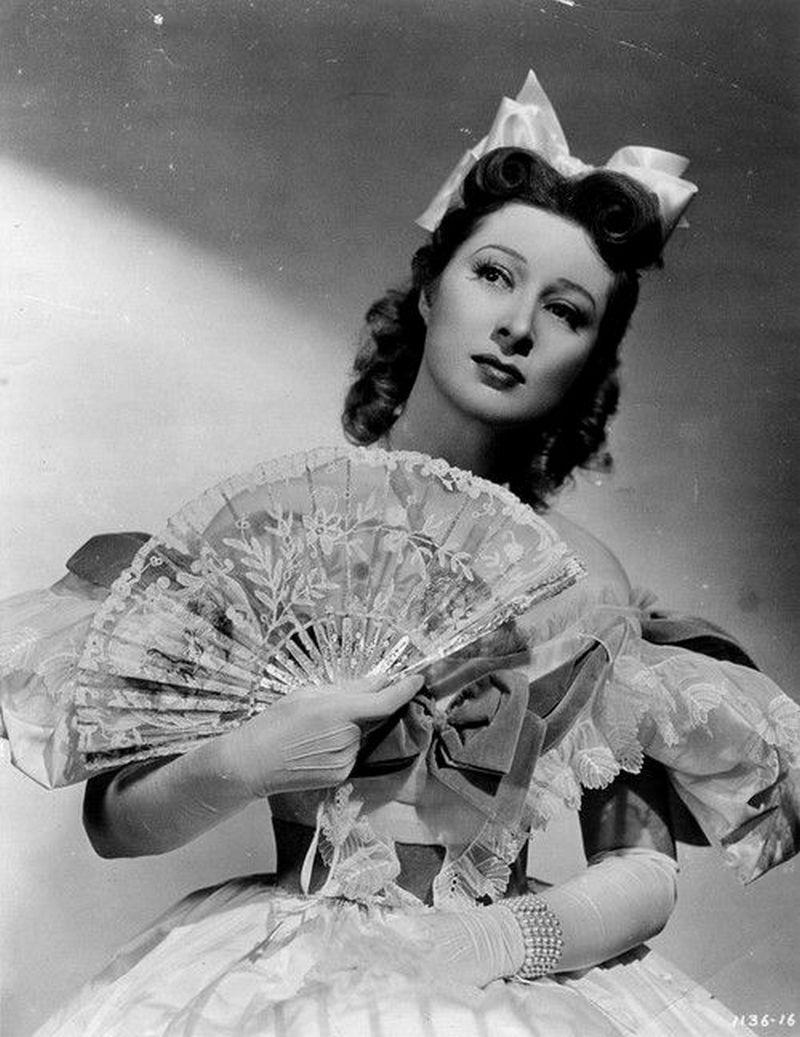 一百年前的美女――英国著名电影巨星
