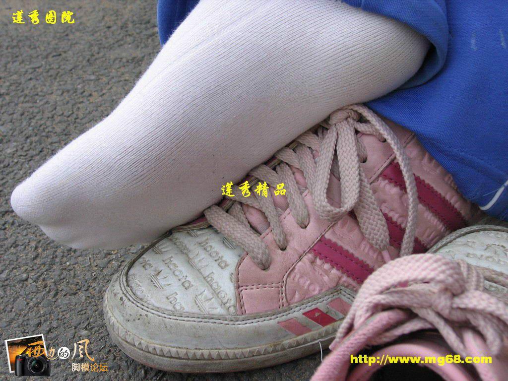 来自于 白袜女生>的照片