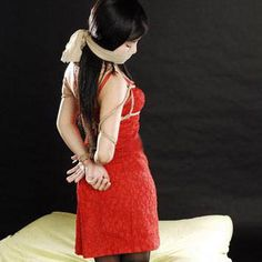 行为艺术:捆绑艺术 美女被绑住了jpg